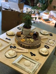 Montessori Classroom, Classroom Setup, Motor Activities, Preschool Activities, Continuous Provision Year 1, Curiosity Approach Eyfs, Toddler Table, Teaching Numbers, Art Storage