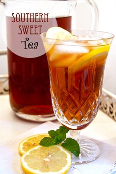Southern Sweet Tea from @NevrEnoughThyme http://www.lanascooking.com/2010/08/30/southern-sweet-tea/