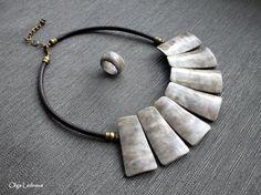 Olga Ledneva | Necklace. Cernit: № 058 (bronze), №005 (translucent), №027 (white), №800 (brown), №100 (black), №055 (Champagne).