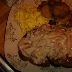 Creamed Chipped Beef On Toast Allrecipes.com ( Barb says to rinse beef real good-REAL SALTY)  (breakfast)