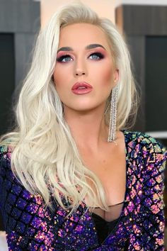 Katy Perry Is Practically Unrecognizable With Yet Another Beautiful Hair Change hashtags Katy Perry Fotos, Katy Perry News, American Idol, Rihanna, Divas, Voluminous Hair, Viva Glam, Cultura Pop, Human Hair Wigs