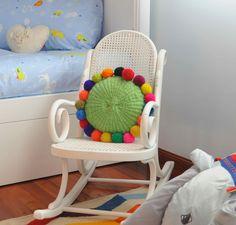 Almohadon tejido en telar con lana pura de oveja www.tiendadecostumbres.com.ar