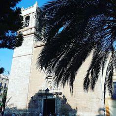 Entre palmeras. #churchstagram #christagram #Valencia #SemanaSanta #visitvalencia #Spain #españa Valencia, Instagram Posts, Palm Trees