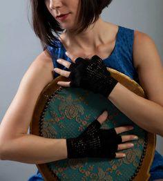 Etsy Greek Street Team: February Giveaway: win a fingerless crochet pair o...