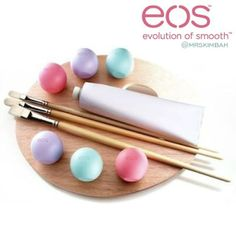 ★eos★ SMOOTH SPHERE LIP BALM (BD3 for 1, BD5 for 2) 95% organic, 100% natural, and paraben and petrolatum free. Packed with antioxidant-rich vitamin E, soothing shea butter and jojoba oil, eos keeps your lips moist, soft and sensationally smooth.  Available for immediate purchase and delivery. Place your order on our website www.mrs-kim.com and we deliver in 2-3 days (Bahrain) 3-4 days (GCC). Payment in cash on delivery.  #mrskimbah #Bahrain #Kuwait #UAE #KSA #Qatar #Oman #brands #shopping…