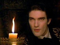 Armand de Romanus/Antonio Banderas. Interview w/a Vampire.