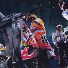 Damon Bradshaw (4) and Larry Brooks (30) awaiting the start of Supercross in 1992 - Naoyuki Shibata Photo #BadassGear #Badshaw #Supercross #Motocross #90sMotoRuled