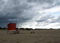 Playa y sus dunas de fondo