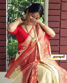 Discover recipes, home ideas, style inspiration and other ideas to try. Bengali Saree, Bengali Bride, Indian Sarees, Saree Photoshoot, Trendy Sarees, Rangoli Designs, Blouse Dress, Saree Blouse Designs, India Beauty