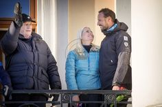Love this photo of Haakon and Mette-Marit from the Silver Jubilee celebration. King Harald is to the left.