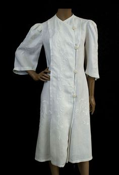 Edwardian linen coat Hand-embroidered linen coat, c.1910