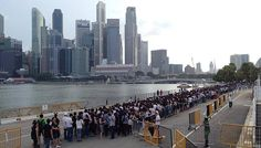 Queue from the Floating Platform