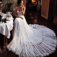 http://iconosquare.com/viewer.php#/user/258045505/ elegant wedding dress