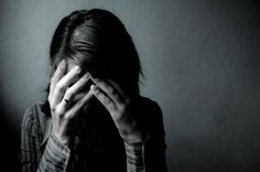 9 aliments pour gagner la bataille contre la dépression.   Saviez-vous que les aliments piquants peuvent-être d'excellents alliés pour combattre les états dépressifs ? La capsaïcine, qui est leur principe actif, stimule la production d'endorphines et améliore l'état d'esprit.
