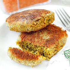 Wegetariańskie kotlety z soczewicy i pieczarek Breakfast Lunch Dinner, Salmon Burgers, Veggie Burgers, Fritters, Vegan Vegetarian, Veggies, Menu, Cooking, Ethnic Recipes