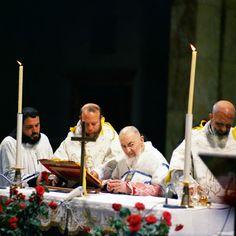 Padre Paolo Covino (primo a sinistra) durante l'Ultima Messa di Padre Pio (22 settembre 1968). Dal 1969 al 1973 è stato Cappellano presso l'Ospedale di Larino