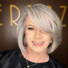 Grey Bob Hairstyles, Over 60 Hairstyles, Everyday Hairstyles, Straight Hairstyles, Cool Hairstyles, Hairstyle Ideas, Modern Hairstyles, Hairdos, Thin Hair Cuts