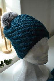 Mary-hue - Garn og pels-pompon i kit (Bettekun webshop) Knit Crochet, Crochet Hats, Bonnet Hat, Drops Design, Crochet Accessories, Knitting Projects, Knitting Ideas, Knit Patterns, Beanie Hats