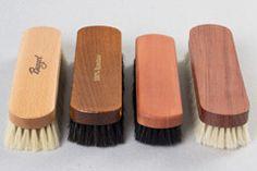 Verschiedene Holzarten der Glanzbürsten