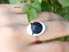you can shop this ring : https://www.alittlemarket.com/boutique/safamod-390.html  https://en.dawanda.com/shop/safamodbijoux