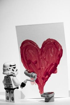 Romance for star wars geeks. Romance for star wars geeks. Lego Stormtrooper, Lego Star Wars, Star Wars Art, Romance, Legos, Miniature, Lego Minifigs, Lego Figures, Lego Worlds