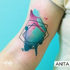 Watercolor  #geometrictattoo #watercolortattoo #colortattoo #tattoostudio #tattooart #ink #palermotattoo #watercolor #geometric #iristattoo #buenosaires #argentina