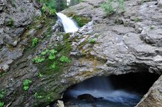 Donut Falls & Hidden Falls 10 Family Friendly Hikes in Utah - Your Hike Guide Narrows Zion National Park, National Parks, Utah Adventures, Outdoor Adventures, Goblin Valley, Cottonwood Canyon, Cedar City, Utah Hikes, American Tours