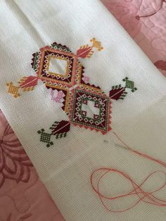 Cross Stitch Geometric, Cross Stitch Borders, Cross Stitch Patterns, Palestinian Embroidery, Ramadan Decorations, Needlepoint, Embroidery Designs, Diy And Crafts, Bargello