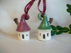 Little House Christmas Ornaments Set of 2 / von SuzannesPotteryFarm