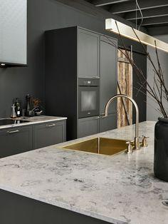 Modern Luxury Kitchens For A Grand Kitchen Luxury Kitchen Design, Best Kitchen Designs, Interior Design Kitchen, Black Kitchens, Luxury Kitchens, Cool Kitchens, Home Decor Kitchen, Rustic Kitchen, Shaker Kitchen