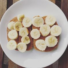 Baby Eating, Healthy Nutrition, Picnic, Foods, Banana, Food Food, Food Items, Healthy Food, Picnics