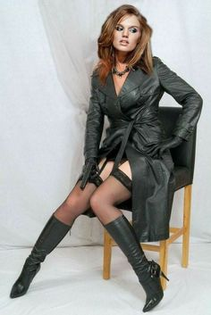 Long Leather Coat, Black Leather Gloves, Leather Trench Coat, Stockings And Suspenders, Sexy Stockings, Grey Fashion, Leather Fashion, Trent Coat, Botas Sexy