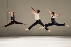 Review: Ballet and Modern Dance Meet and Ultimately Embrace