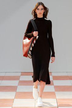 Céline Fall 2015 Ready-to-Wear Fashion Show - Julia Bergshoeff (Viva)