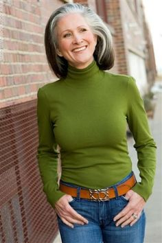 "Model - Elizabeth Taggart - height 5'8"" | size 4-6us | shoe 9us | hair Silver | eyes Green | bust 36"" | waist 26.5"" | hips 36.5"" - #DonnaBaldwinAgency, #model"