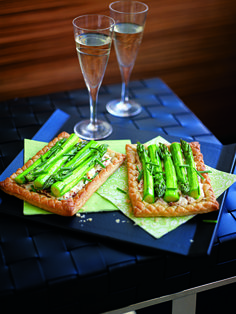 Kyle Books - Asparagus & Ricotta Tarts, by Gino D'Acampo Gino D'acampo, Best Italian Recipes, Asparagus Recipe, Ricotta, Avocado Toast, Tarts, Lunch, Cooking, Breakfast