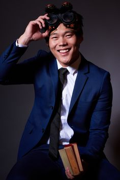http://www.theweeklyreview.com.au/meet/watch-this-face-john-kim/  The Weekly Review 11-16-2015 Share abt John Kim on The Librarians
