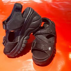6efc276e7f3 90s platform chunky skechers strap buckle fastening sandals - Depop
