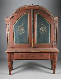 Norwegian Rose Painted Cabinets with Table from 1837 - H.197cm - B.147cm - NOK 3.000