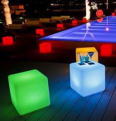 Прокат пуфа, що світиться - створює неймовірний візуальний ефект в темну пору доби