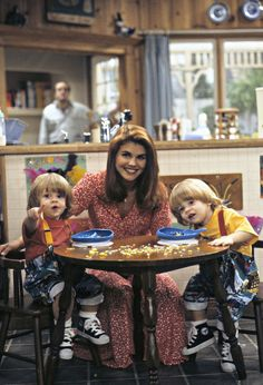The youngest members of the Full House family are making a comeback. The twins who played Uncle Jesse and Aunt Becky's kids on the show return to play Nicky and Alex in the Netflix revival, Fuller House. Full House Serie, Full House Tv Show, Full House Cast, Becky Full House, Full House Funny, Candace Cameron Full House, Olsen Twins Full House, Tio Jesse, Uncle Jesse