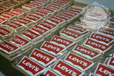 GALLETAS CORPORATIVAS Somos uno de los principales proveedores de galletas personalizadas para empresas. www.galletaspersonalizadas.es Email: pedidos@galletaspersonalizadas.es Tel: 931 003 511 ¡Entrega en toda España!
