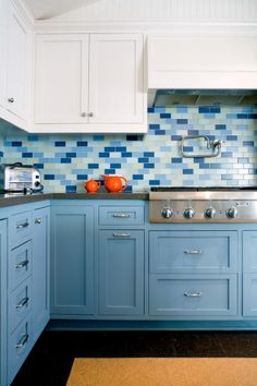 Stylish and classic, the gorgeous subway tile backsplash trend is here to stay. But we have just the thing to set your kitchen apart.
