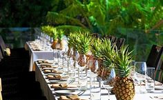 Sehr speziell aber genauso schön. Mal eine ganz andere Idee zum Dekorieren. #Gartenparty #Ananas