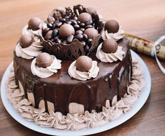 Homemade cakes and other recipes - Recipes Delicious Chocolate Desserts, Chocolate Cake, Delicious Chocolate, Cake Recipes, Dessert Recipes, Beautiful Desserts, Food Cakes, Homemade Cakes, Other Recipes