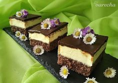 Tvarohové řezy - recept | Varecha.sk Vanilla Cake, Tiramisu, Treats, Baking, Ethnic Recipes, Sweet, Sweet Like Candy, Candy, Goodies