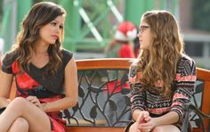 'Hart of Dixie' Recap: I'll Have a Blue Christmas in Bluebell Season 1 Episode 10. This week on Hart of Dixie, it's Christmas in Bluebell, so I assumed it would be unnaturally blue. Nope, just hot. Wade and George embark on a journey to get a Christmas tree and find themselves in jail, and Zoe and Lemon go head-to-head with their mini-me counterparts in a beauty pageant. And, oh yeah, this episode is sad. #tvrecap #hartofdixie