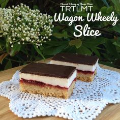 Another Thermomix slice? Yes please! The other week I posted my Marshmallow Weetbix Slice and this idea had been playing on my mind a bit so the