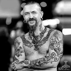 Sacha de Viking Tattoo