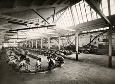 Vespa factory in Pontedera, 1950